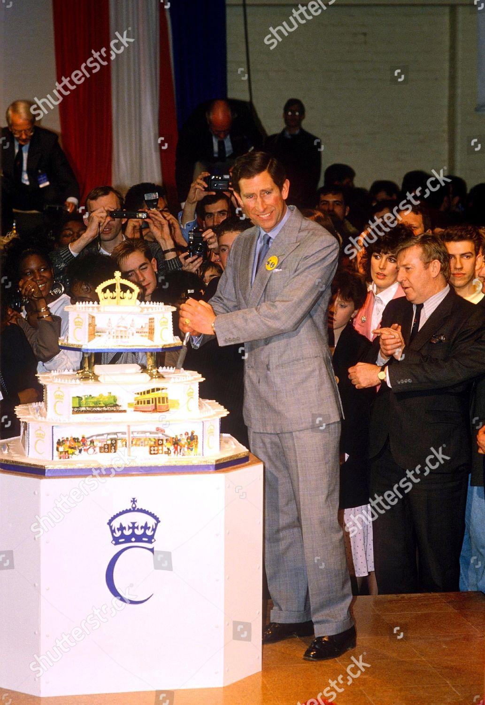 Prince Charles Cutting Cake Redaktionelles Stockfoto Stockbild Shutterstock