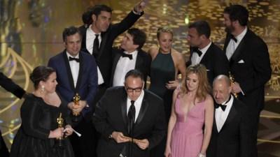 """""""Spotlight: Segredos Revelados"""" leva o Oscar de Melhor Filme de 2016"""