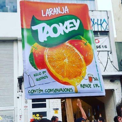 Em inglês. Taokey?