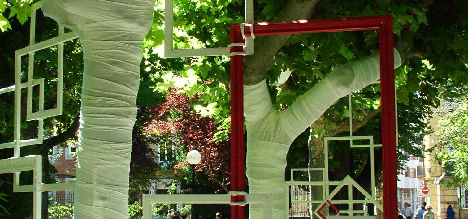 arte entre árboles