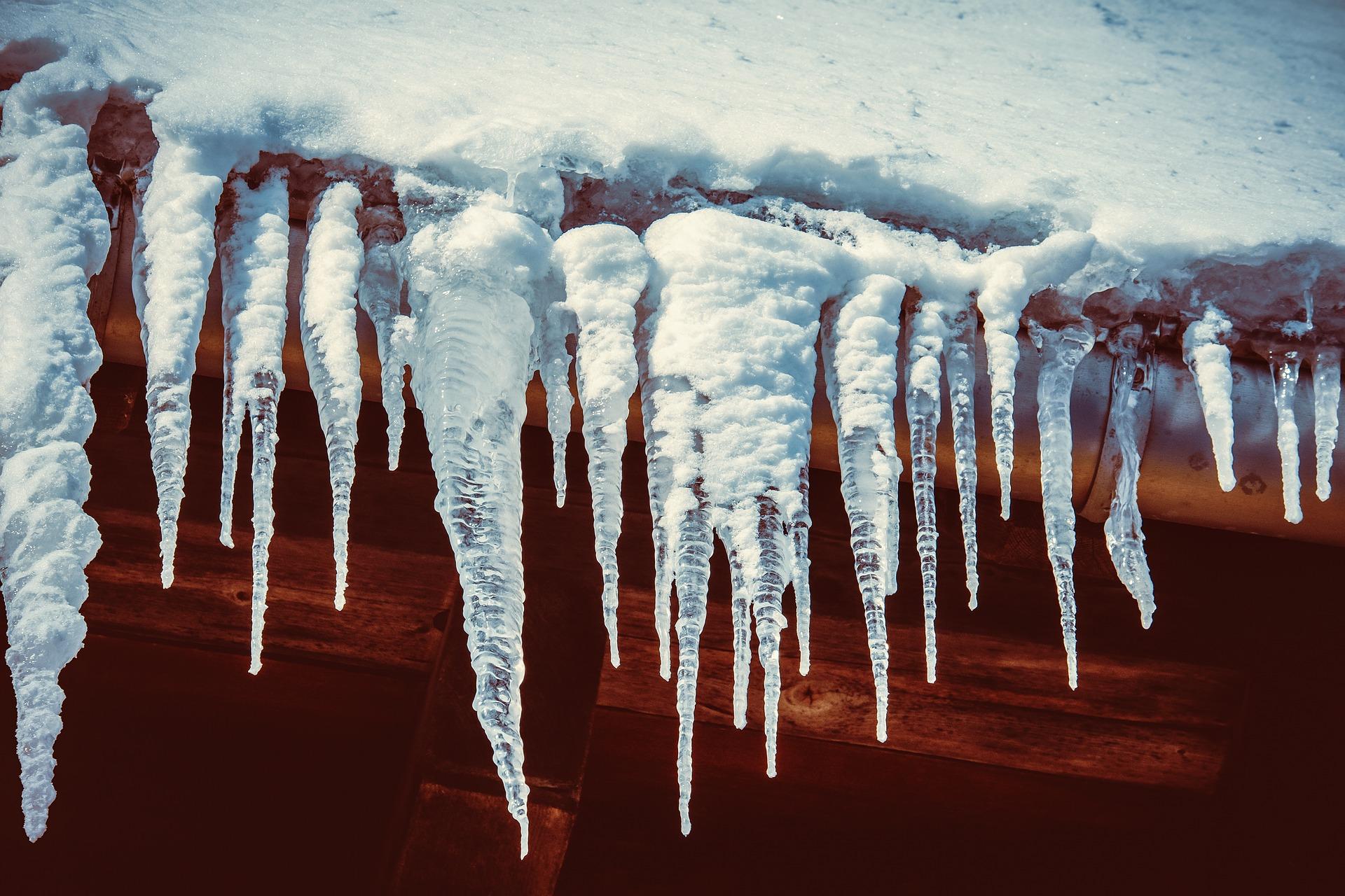La misteriosa belleza de los cristales de hielo:  ¿expresión natural de la simbología?