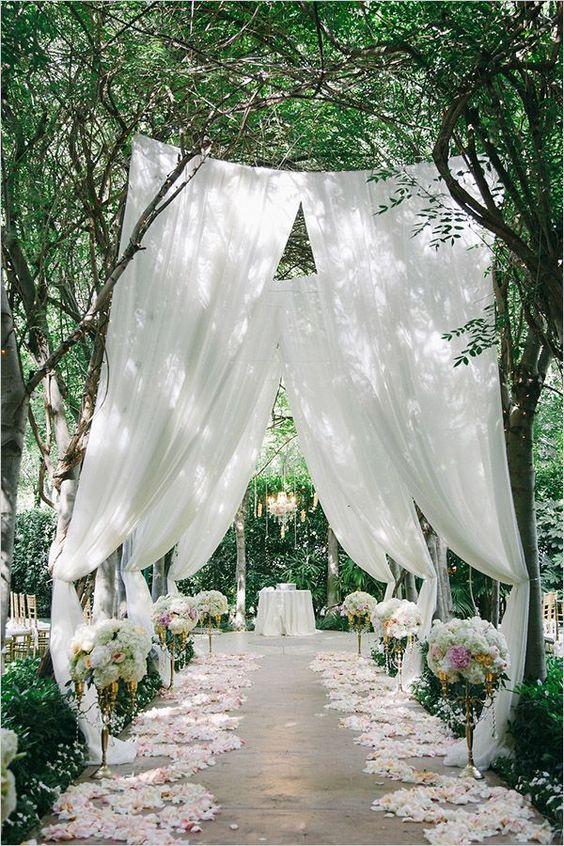 summer wedding outdoor ceremony