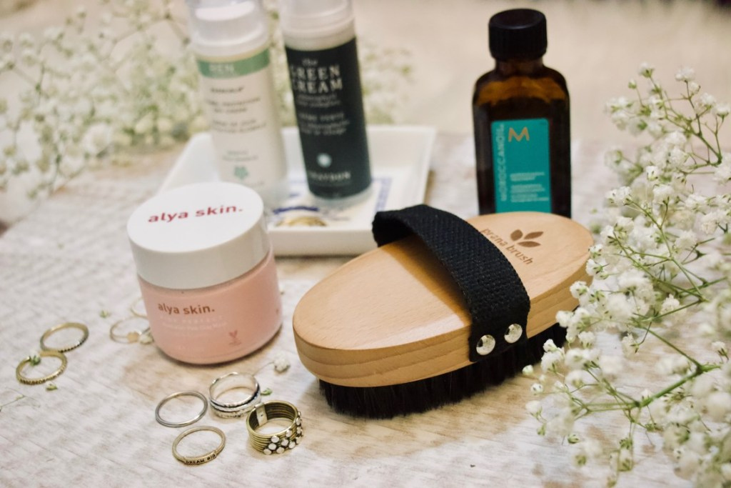 prana brush 2 - why you should use a dry brush