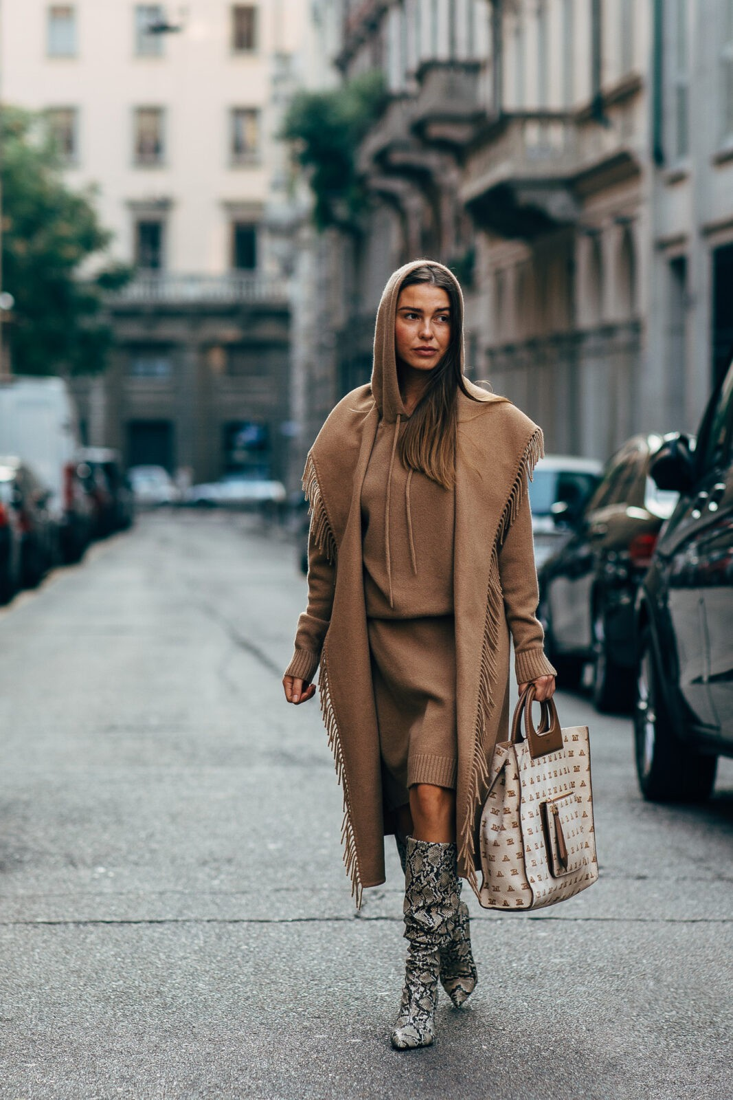 sophia roe edit seven camel coat stylebook january 2019