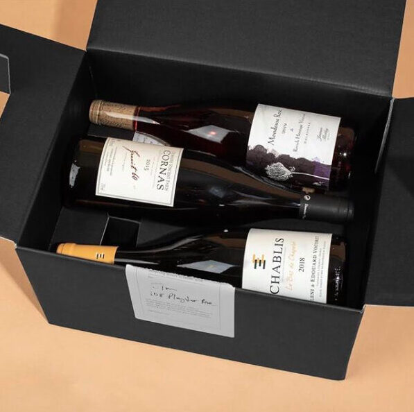 bottles of Eight Kilos wine in a box