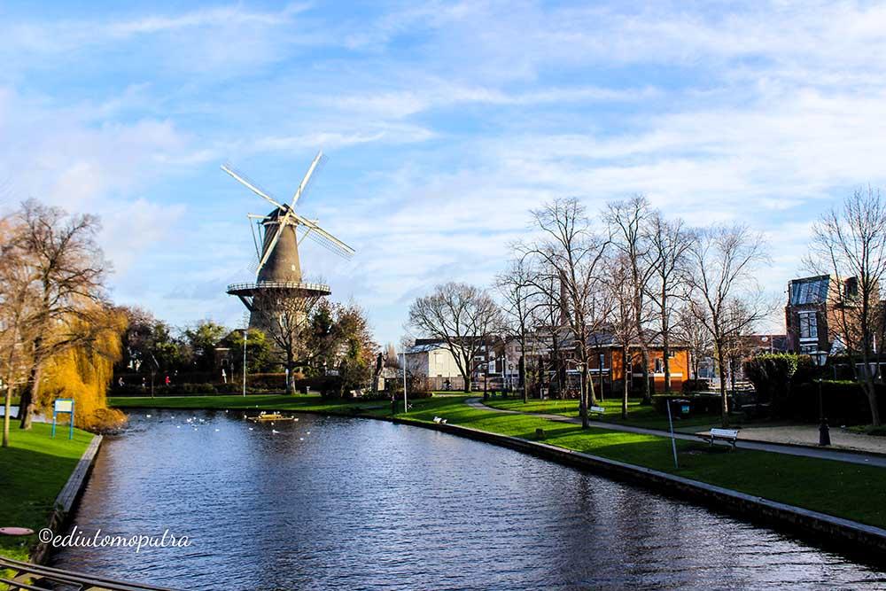 Aku Dan Negeri Van Oranje : Leiden, Den Haag