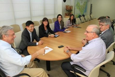 Teotônio Vilela e Fábio Farias durante encontro com diretores da Portobello