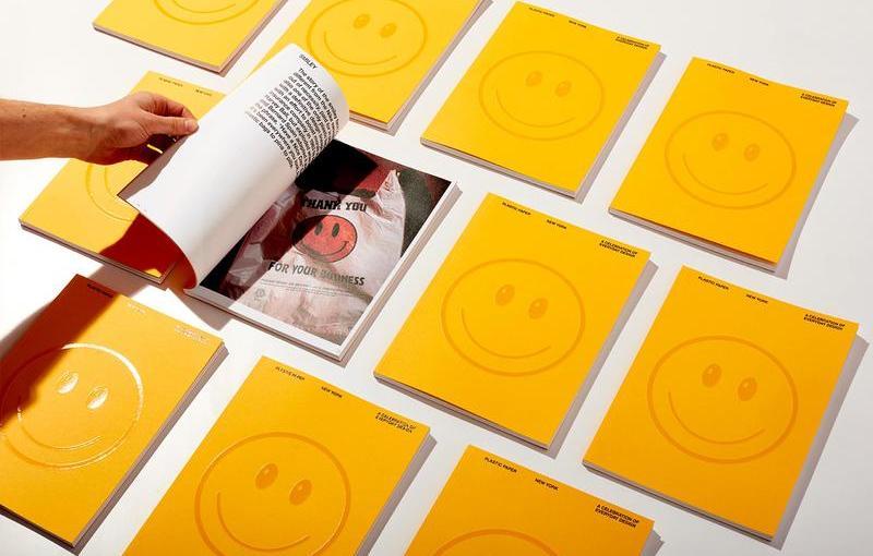 Con Plastic Paper si esplora il design contemporaneo attraverso i sacchetti di plastica di New York