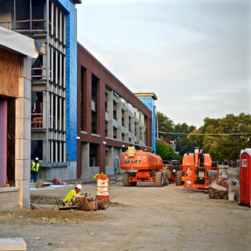 Courtyard by Marriott, Modern (Daily News PHOTO REBECCA KIZER)