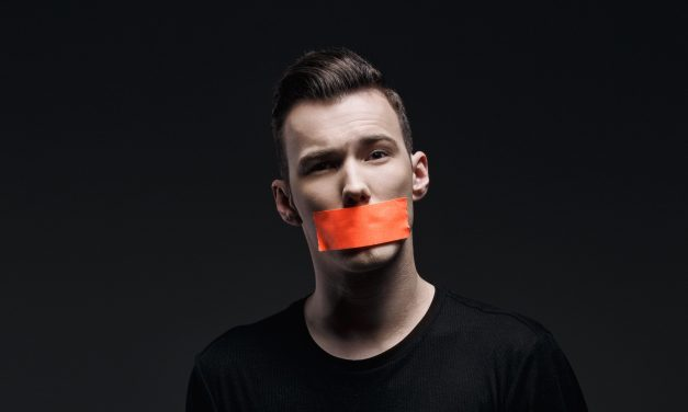 Featured Interview || Tom Swoon