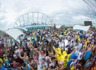 Groove Cruise Miami 2018 Pool Deck