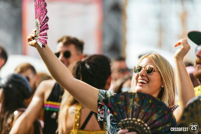 CRSSD Fall 2018 - Girl with Fan
