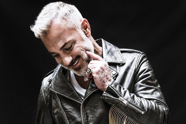 gianluca vacchi meet greet dance competition