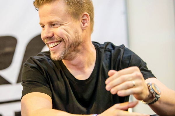 ferry corsten dont go film score