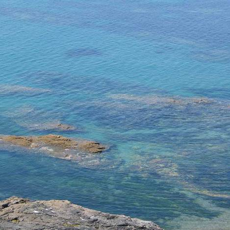 Perfect pools for snorkelling Mounts Bay
