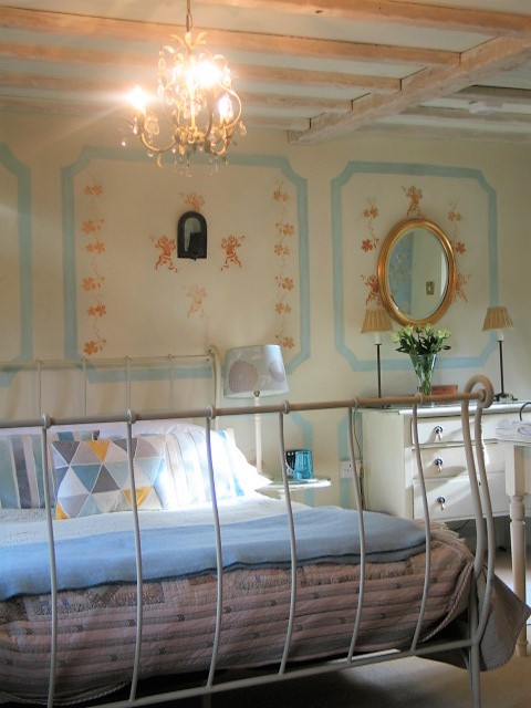 Luxury, romantic bedroom - boutique bed and breakfast