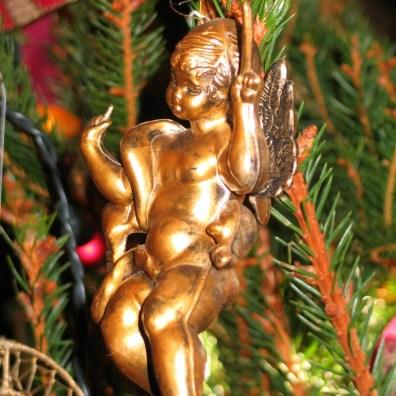 Gold cherubs