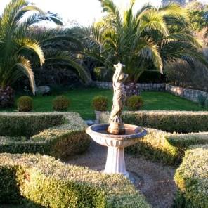 Ednovean Farm Courtyard garden