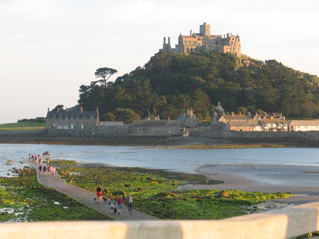 We sat and watched people walk along the causeway towards St Michael's Mount from our table
