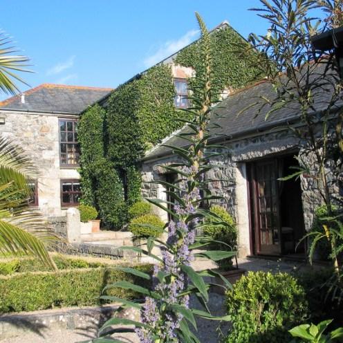 Farmhouse around a courtyard garden
