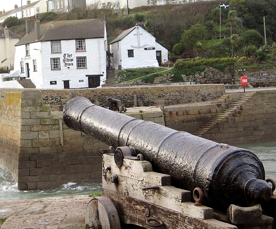Former cornish smugglers haunt the Ship Inn Porthleven