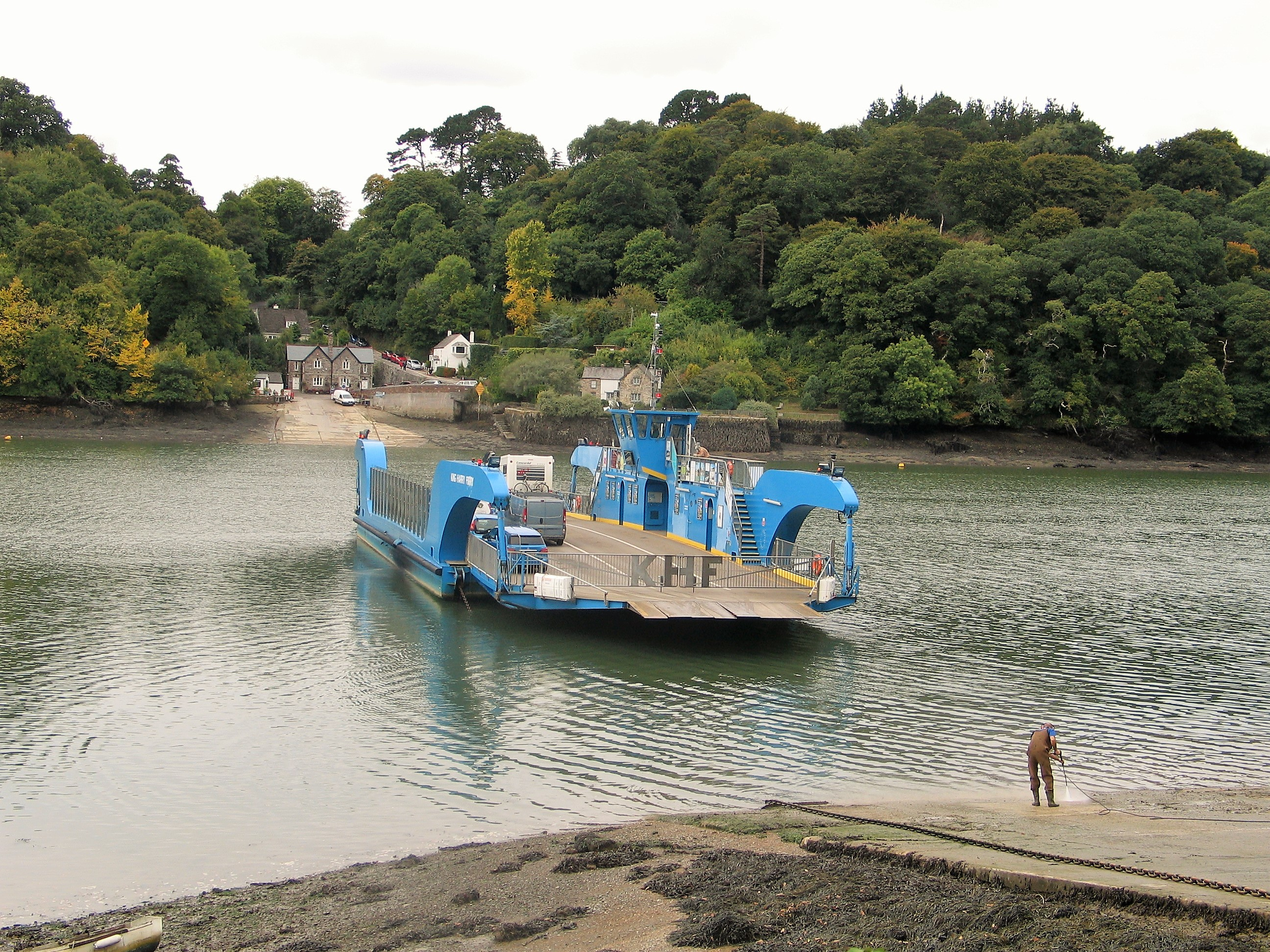 King Harry Ferry crossing the River Fal