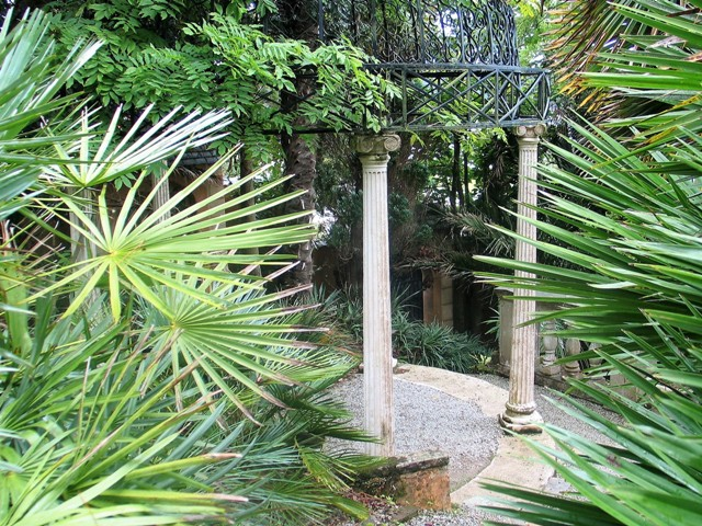 mock temple folly - Lamorran Garden