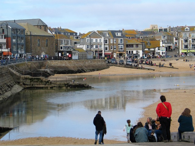 Returning tide - St Ives harbour