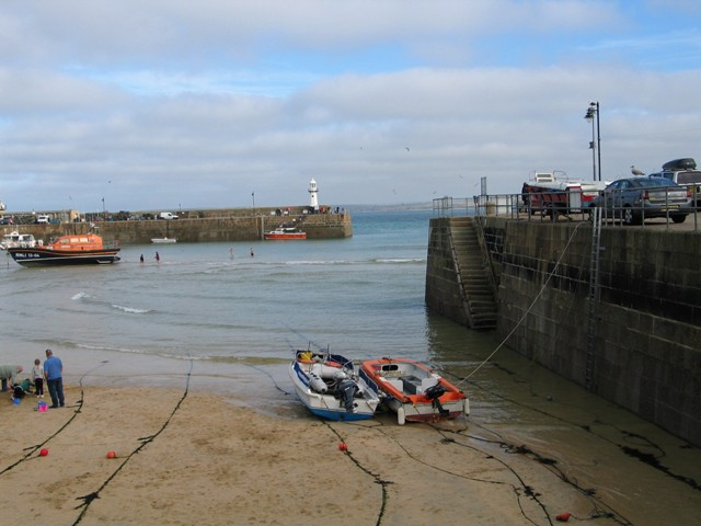 Boat mooring lines stretched across the sands - St Ives Harbour