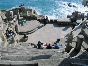 dramatic drop to the Minack stage