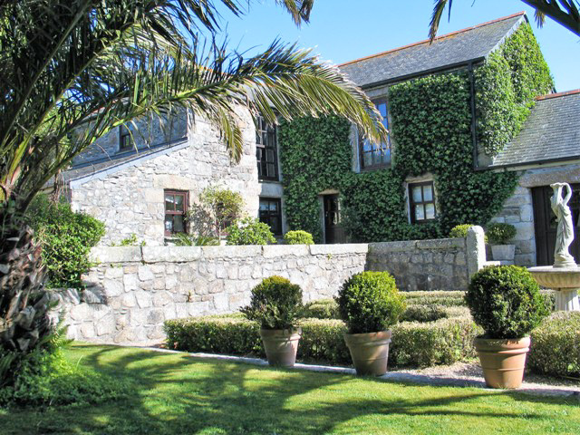 Historic farmhouse in tranquil setting perfect for summer holidays in Cornwall