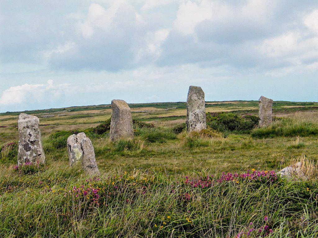 Boskednan Stone circle set on heathland