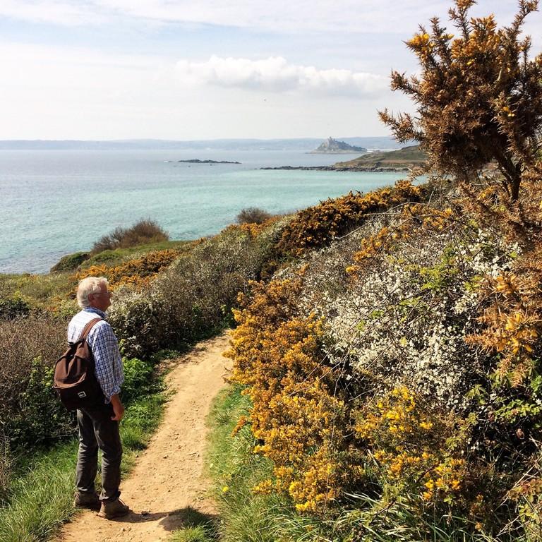 A spring walk from Ednovean farm along the coastal footpath