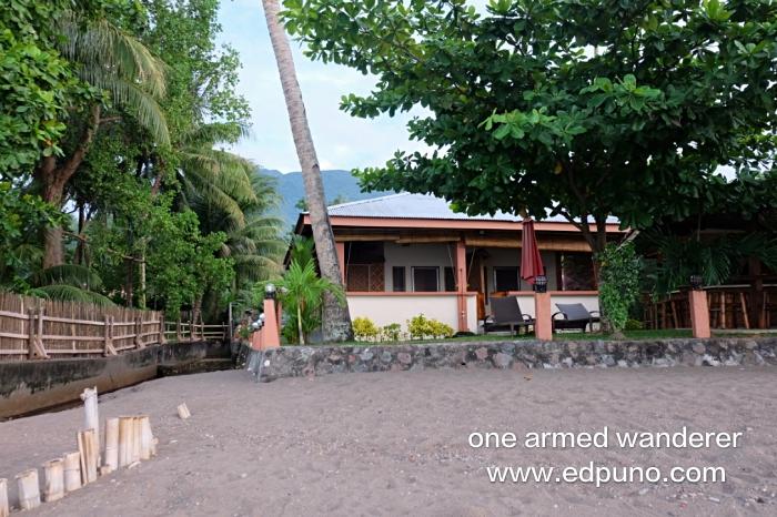 Beachfront of Marianita's Cottages
