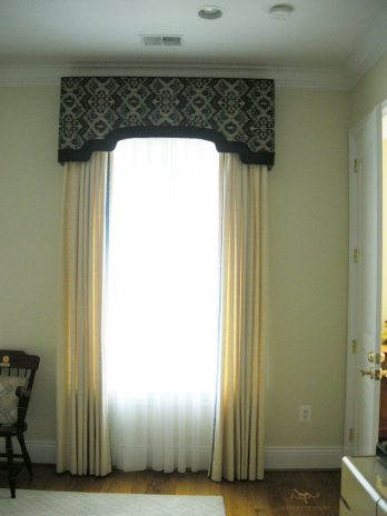 Custom shaped cornice 06