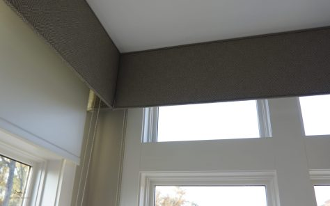 wall to wall cornice boards with thick projections