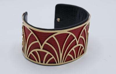 bracelet doré rouge et noir e dressing des copines