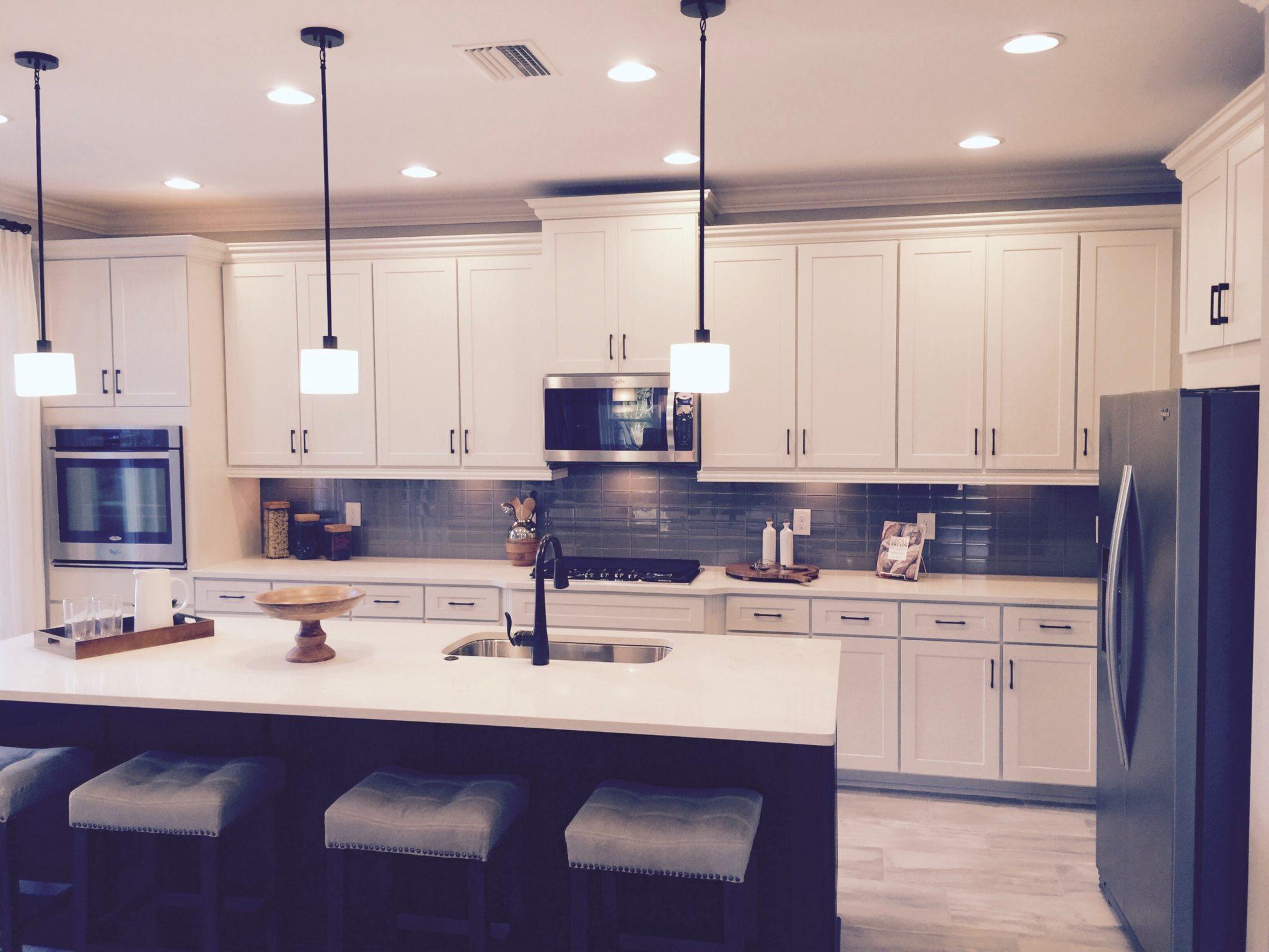 Edrina Hammond - 5 Signs Your Kitchen Needs an Update
