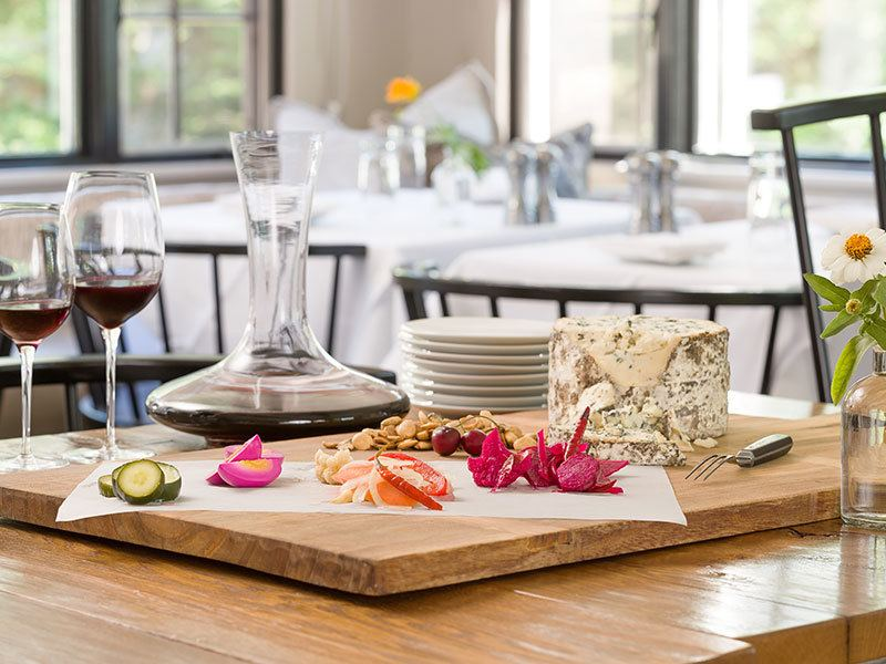 stay and dine package, edson hill, chef, dining, tavern, vermont
