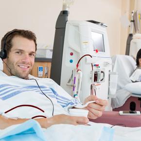 Terapia Médico Nutricional en el Paciente con Diálisis Peritoneal Por: Gabriela Leal