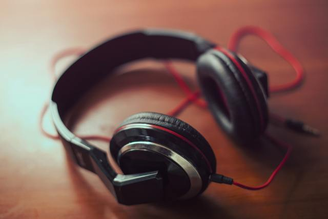 Best Studio Headphones for Mixing Mastering
