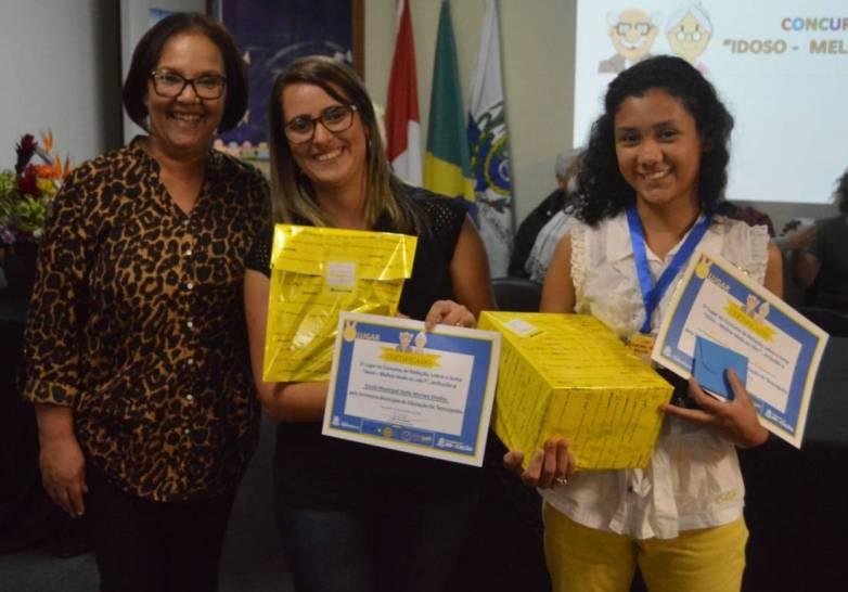 Premiação da 1ª Colocada Jennyffer Ferreira Varela