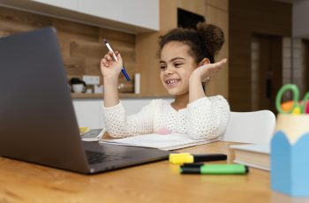 É possível ensino híbrido na educação infantil?