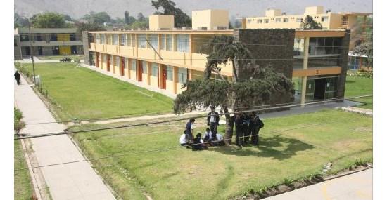 Gobierno prevé abrir 12 colegios de alto rendimiento hasta 2015 (*)