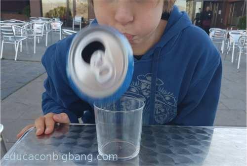 Lata despedida del vaso