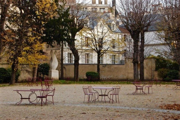 The most tranquil courtyard in Paris