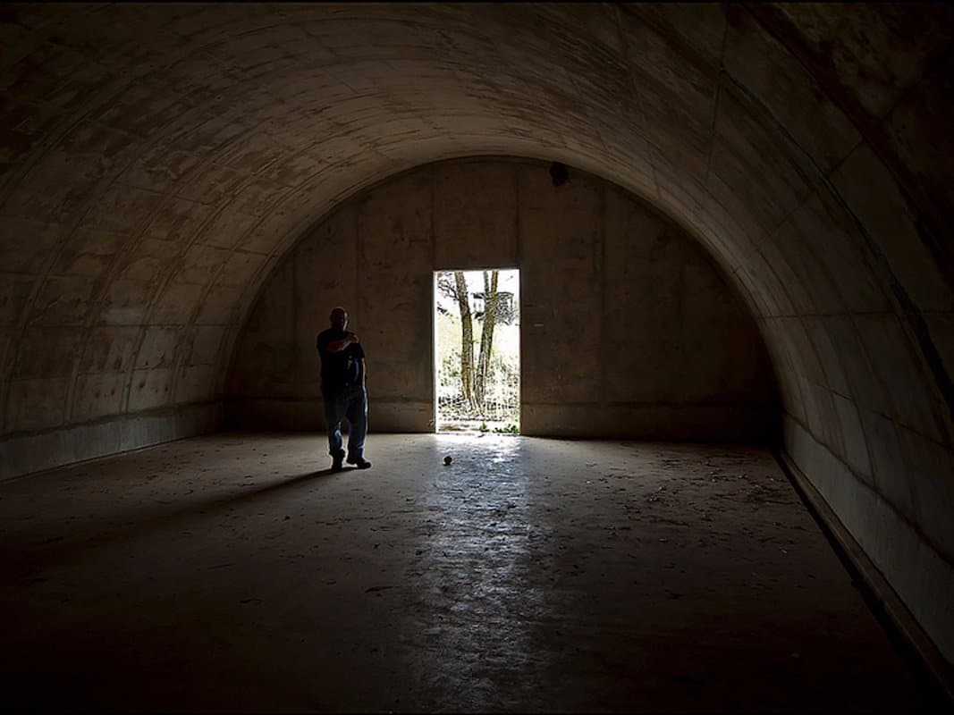 00located-in-south-dakota-the-structures-were-originally-built-by-the-army-corps-of-engineers-in-1942-as-a-military-fortress-that-stored-explosives-and-munitions