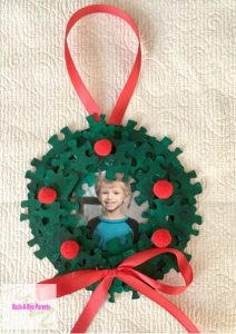 puzzle wreath christmas ornament diy