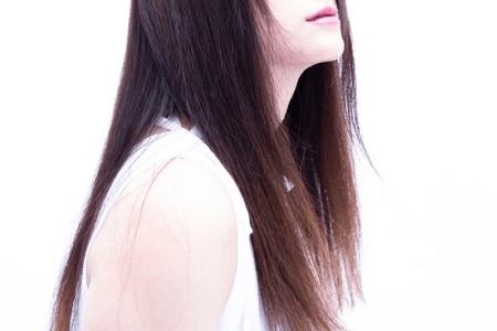 なぜ髪の毛は長くなるのに他の毛はそこまで伸びないのか?