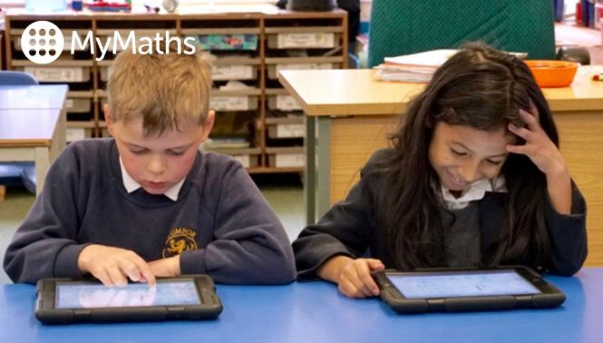 Primary school children using MyMaths on tablets